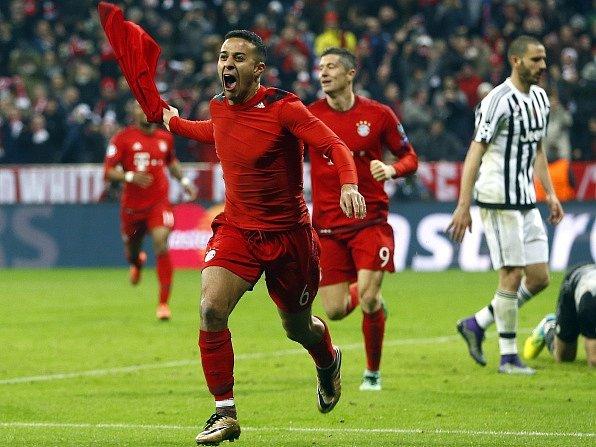 Bayern Mnichov - Juventus Turín: Thiago Alcantara a jeho radost z vítězného i postupového gólu
