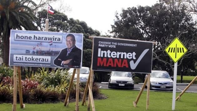 Na Novém Zélandu se dnes uzavřely volební místnosti a skončily parlamentní volby, ve kterých se premiér John Key (53) uchází o třetí mandát v čele vlády za sebou.