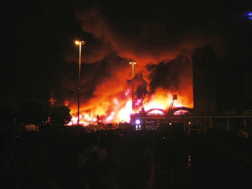 Požár Průmyslového paláce na pražském Výstavišti