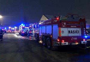 Požár skladu s pyrotechnikou v Horních Počernicích