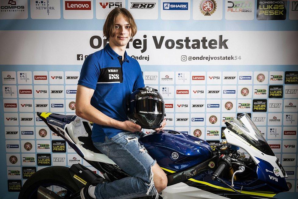 Motocyklista Ondřej Vostatek