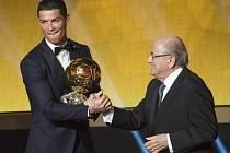 Cristiano Ronaldo potřetí ovládl anketu Zlatý míč