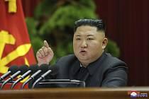 Severokorejský vůdce Kim Čong-un na zasedání ústředního výboru Korejské strany práce