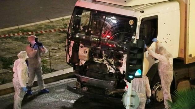 Útok v Nice si vyžádal desítky mrtvých.