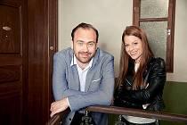 Jiří Hána s Hanou Holišovou, partnerkou ze seriálu Ulice (2019)