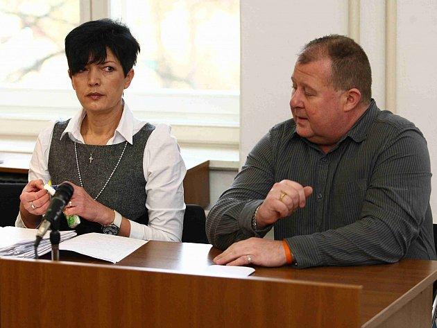 Spolu s Hudcem je stíhán i bývalý policista Michal Kondla – na snímku s obhájkyní