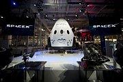 Loď SpaceX pro lidskou posádku Crew Dragon.