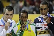 Jakub Holuša (vlevo) získal na halovém MS v závodu na 800 m stříbro, vyhrál Mohammed Aman z Etiopie, pro bronz si doběhl Brit Andrew Osagie.