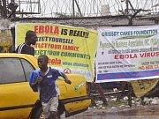 Převoz humanitárního pracovníka, který působil v západní Africe,  do univerzitní nemocnice ve Frankfurtu nad Mohanem.