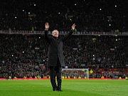 Trenér Alex Ferguson se rozhodl po 27 letech skončit v Manchesteru United.