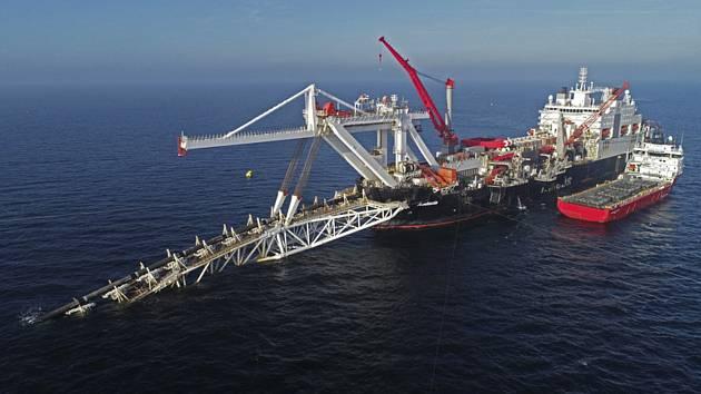 Stavba plynovodu Nord Stream 2 v Baltském moři