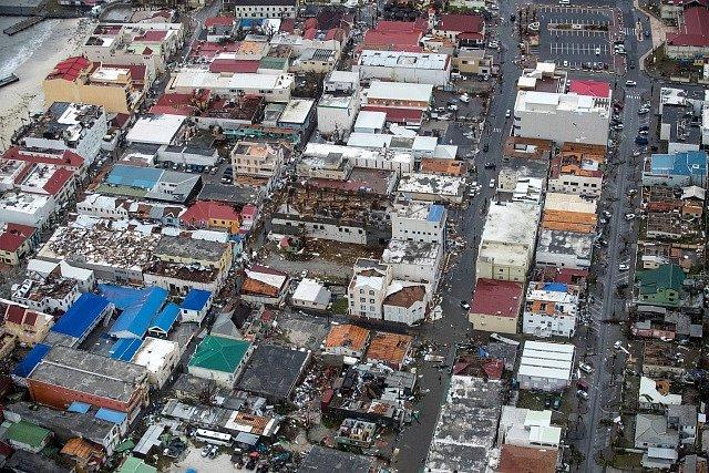 Hurikán Irma devastoval Karibik.