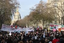 Demonstrace proti vládní reformě důchodů na snímku z 10. prosince 2019