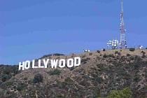 Nápis Hollywood v Los Angeles.