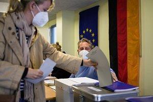 Sociální demokraté asi vyhráli německé volby. Kancléře však mít nemusí
