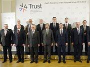 Zástupci visegrádské skupiny odmítli návrh Evropské komise na přerozdělování migrantů.