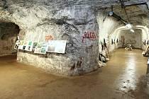 Výroba pro třetí říši. V podzemní továrně Rabštejn se za druhé světové války vyráběly součástky pro nacistický zbrojní průmysl.