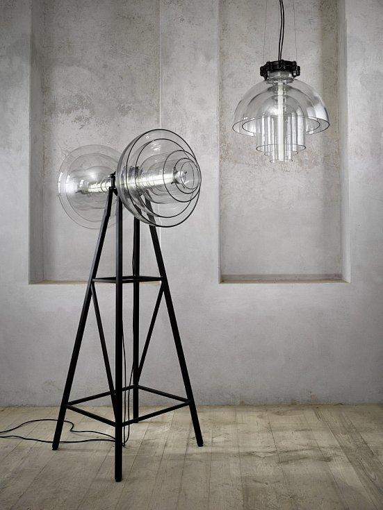 Závěsné svítidlo Transmission bylo vystaveno na olympijských hrách v Londýně v roce 2012.