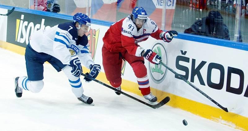 Čtvrtfinálová bitva mezi Českem a Finskem: Boj u mantinelu
