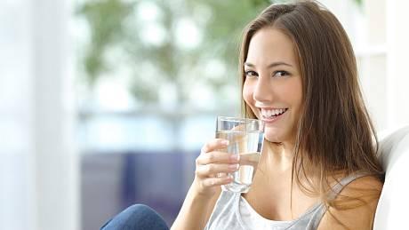 Je voda skutečně tím nejlepším, co si dopřát v parnu?