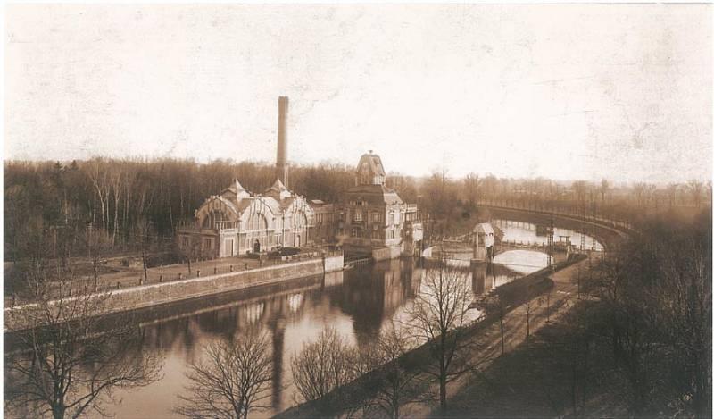 Výstavba vodní elektrárny Hučák (počátek 20. století)