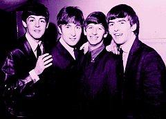 Slavní Beatles na snímku z roku 1963