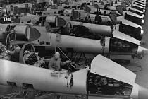 Výroba letounů L-39 ve Vodochodech