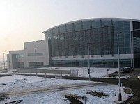 Nový terminál už má letiště v provozu přes rok, teď potřebuje ranvej