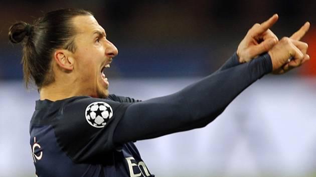 Kanonýr Paris St. Germain Zlatan Ibrahimovic se raduje z gólu.