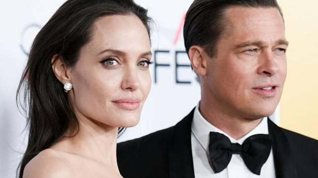 Brad Pitt s manželkou Angelinou Jolie.