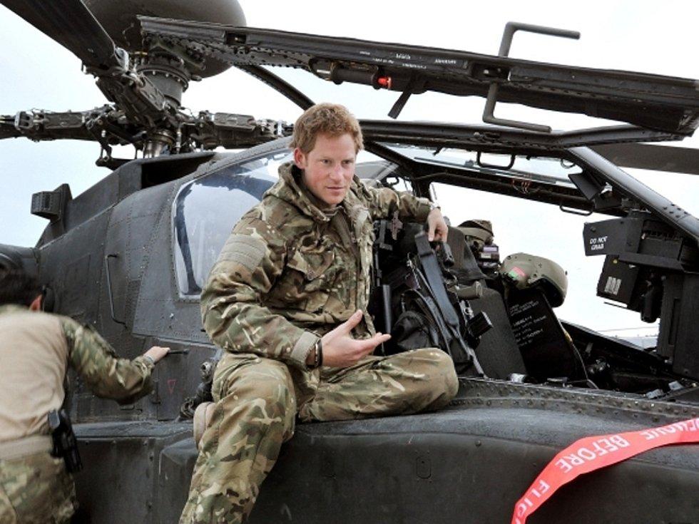 Britský princ Harry jako voják.