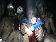 Obří exkavátor začal v neděli 19. září 2010 hloubit třetí tunel k 33 chilským horníkům, kteří jsou od začátku srpna uvězněni 700 metrů pod zemí. Zahájení této operace byl přítomen i chilský prezident Sebastián Piňera.