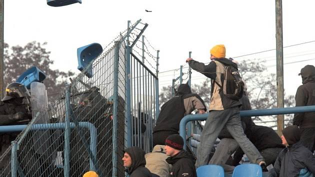 Výtržnosti při utkání Baník - Sparta