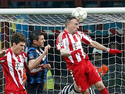 Frank Ribéry z Bayernu přispěl k vítězství Mnichova nad Interem 1:0.