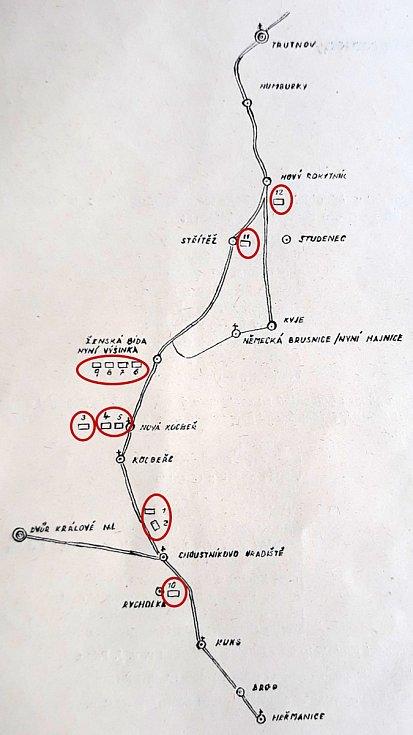 Mapka zknihy Františka Ťopka svyznačením exhumovaných hrobů obětí