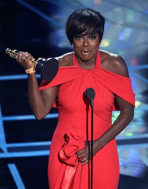 Viola Davis si odnesla cenu za nejlepší ženský herecký výkon ve vedlejší roli
