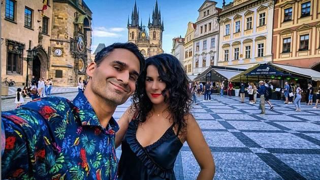 Manželé Bangovi vcentru Prahy