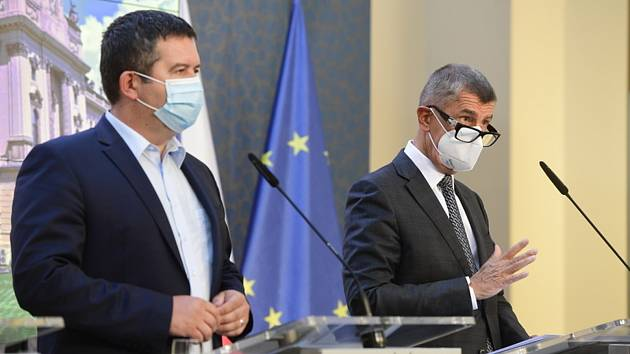 Premiér Andrej Babiš (vpravo) a ministr vnitra Jan Hamáček