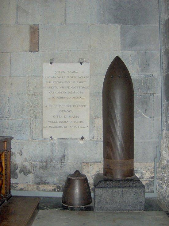 V neděli 9. února 1941 udeřil do chrámové lodi dělostřelecký granát vypálený z britské lodi, ale nevybuchl. Jeho replika je dnes vystavena uvnitř