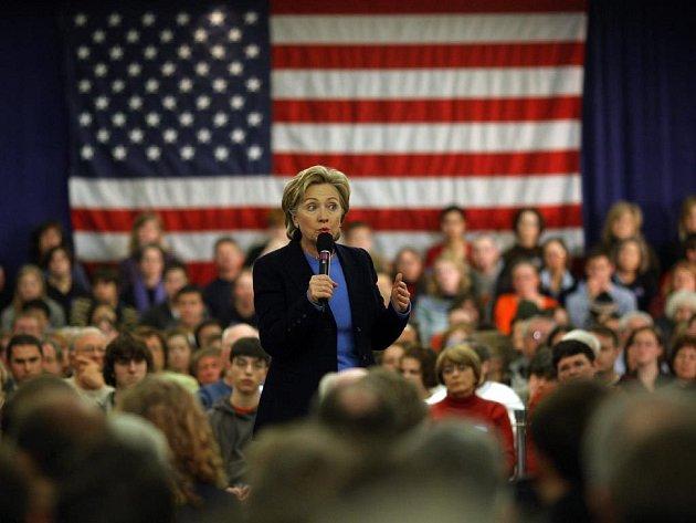 Kandidátka na prezidentské křeslo Hillary Clintonová při kampani v Iowě.