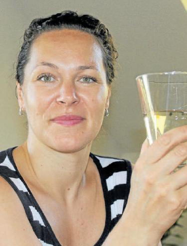Petra Vrabcová, ředitelka společnosti Městské vodovody a kanalizací Vrchlabí, je na vodu, kterou ve Vrchlabí a okolí pijí, pyšná