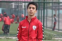 Fotbalista Zaki Anwari zemřel při útěku z Kábulu.