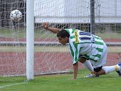 Bulharská posila Bohemians Praha Emil Stoev se raduje z gólu v síti Plzně.