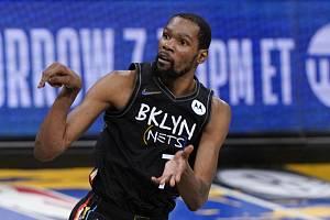 Americké basketbalisty vede na olympijském turnaji v Tokiu jako lídr Kevin Durant.