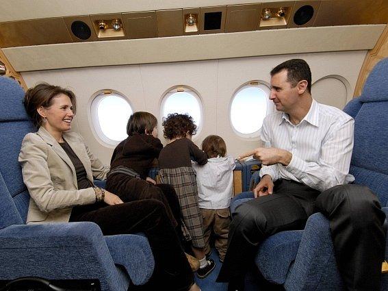 Syrský prezident Bašár Asad s manželkou a dětmi