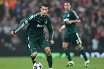 Kanonýr Realu Madrid Cristiano Ronaldo vyřadil Manchester United z Ligy mistrů.
