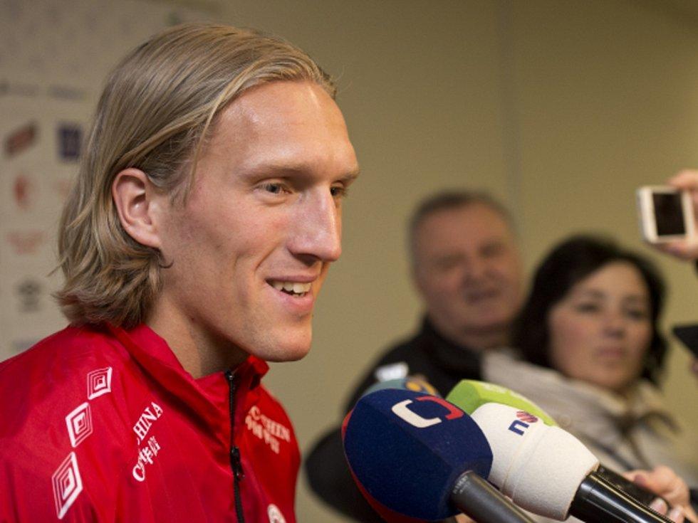 Norský obránce Per-Egil Flo.