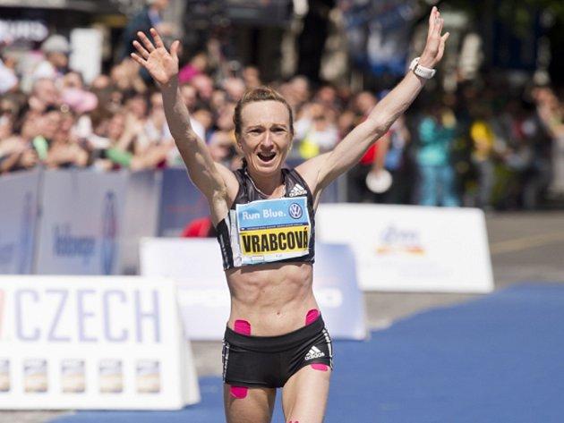 Eva Vrabcová-Nývltová splnila na Pražském maratonu olympijský limit.