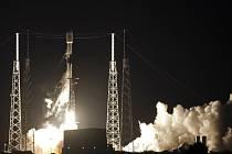Z Mysu Carneval na Floridě se dnes uskutečnil odložený start rakety Falcon 9 americké soukromé společnosti SpaceX s nákladem 60 družic satelitní sítě Starlink