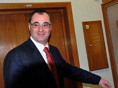 Šéf pražské ODS Boris Šťastný přichází na jednání zastupitelů občanských demokratů, se kterými 24. listopadu TOP 09 uzavřela smlouvu o koalici na pražské radnici.